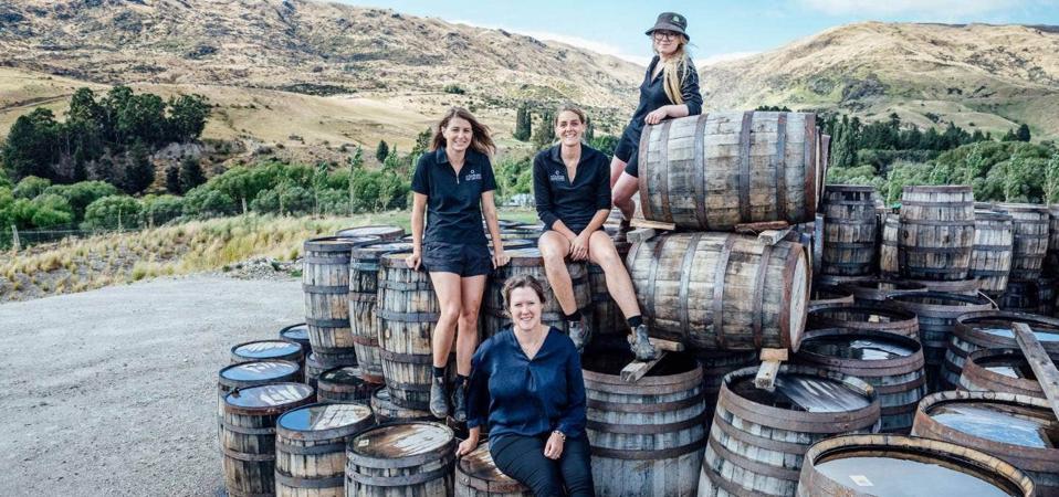 Women whisky diversity Ourwhisky single malt scotch
