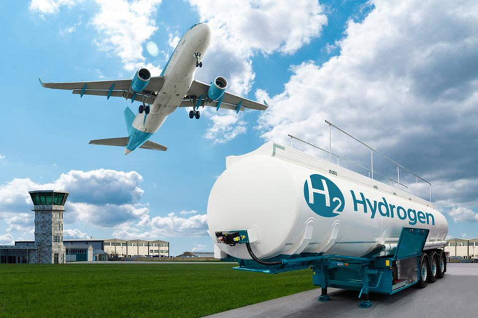 Airplane and hydrogen tank trailer
