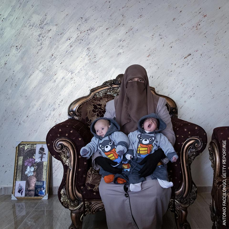 World Press Photo Contest: Amma Elian with baby twins and a husband serving life-sentence