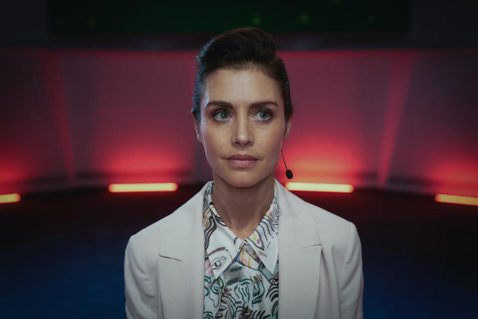 Hannah Ware as Rebecca in 'The One' (Photo credit: Robert Viglasky/Netflix)