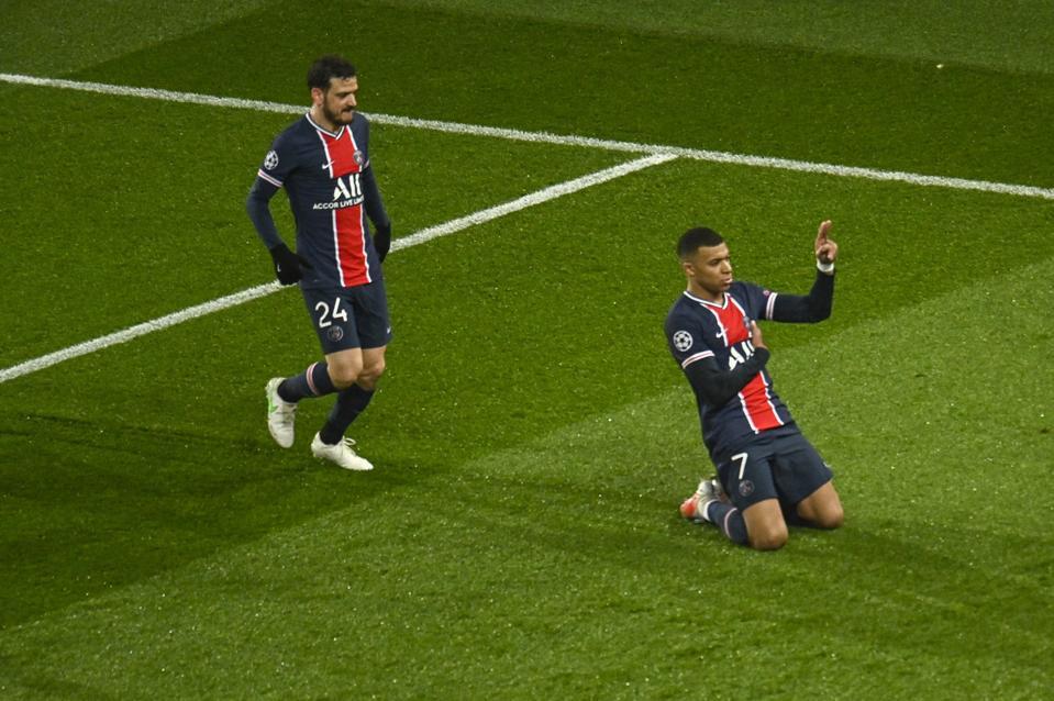 PSG v Barcelona - UEFA Champions League