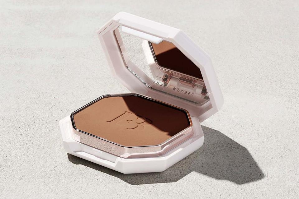FENTY BEAUTY by Rihanna Pro Filt'r Soft Matte Powder Foundation
