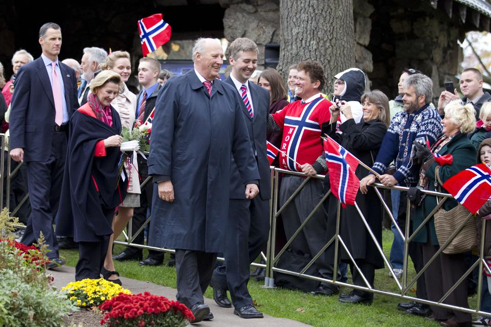 King Harald & Queen Sonja of Norway on a visit to Duluth, Minnesota.