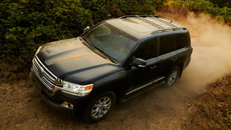 The Toyota Land Cruiser is the vehicle most likely to exceed 200,000 miles, according to a recent report.