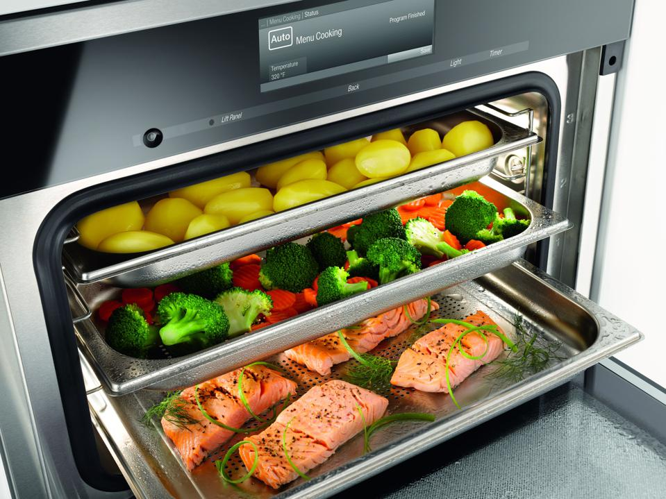 Combination convection-steam oven from Moen