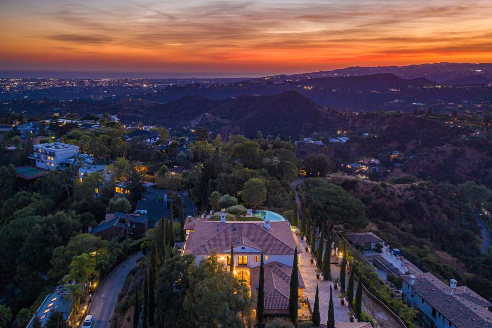 night time view from 2576 bowmont drive los angeles beverly hills luxury house