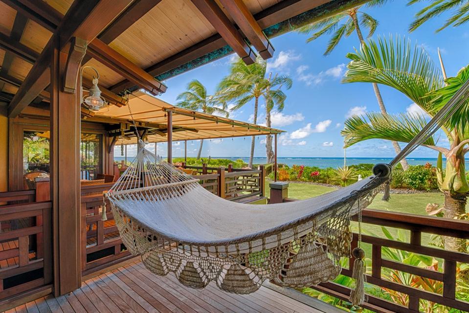 hammock and lanai at hawaii luxury home 3630 Anini Road