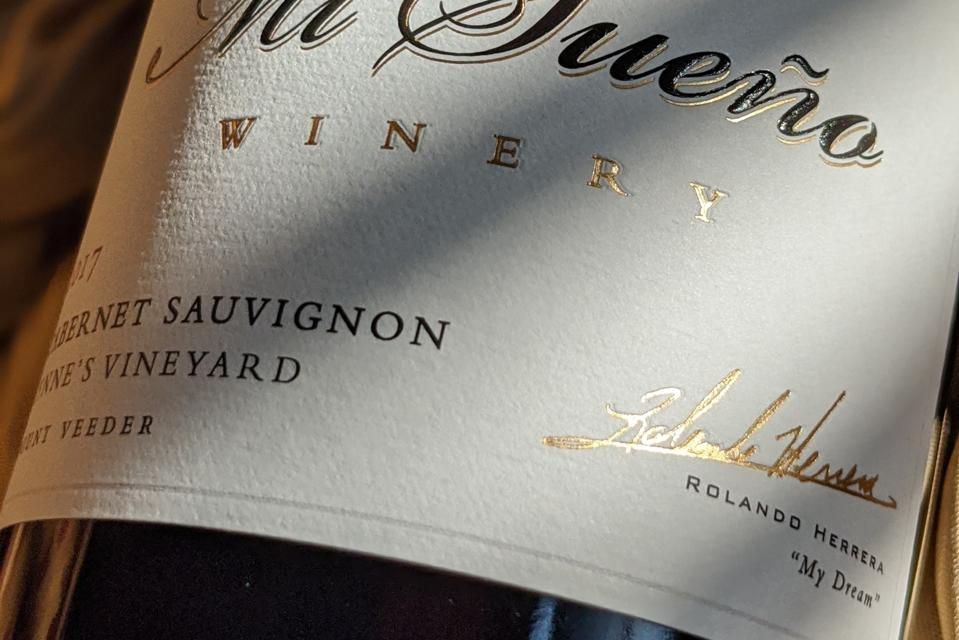Mi Sueño Wine Label with Rolando Herrera's Signature