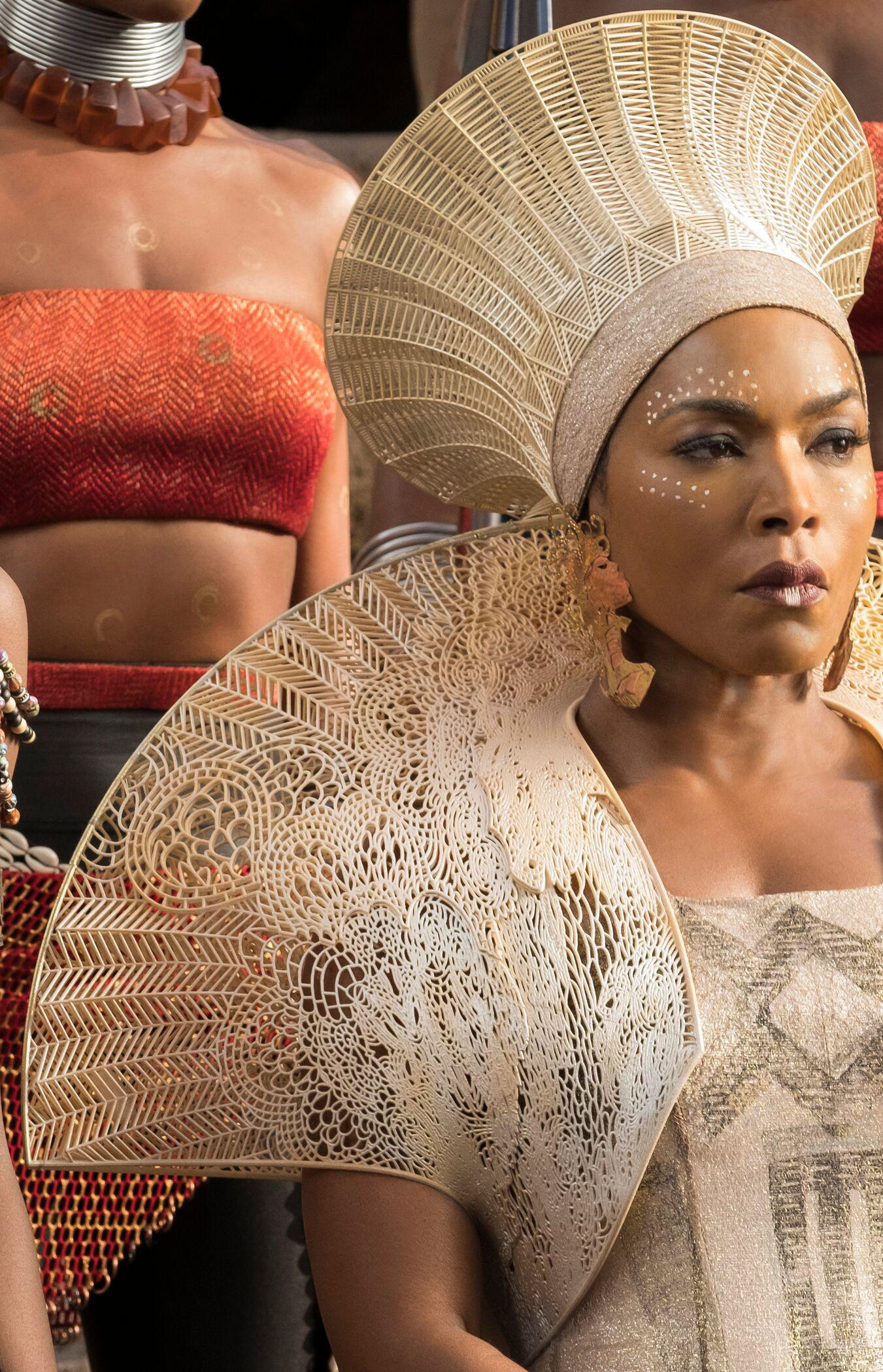 Materialise collaborated on the 3D printed crown and mantle worn by Angela Bassett as Queen Ramonda in Black Panther