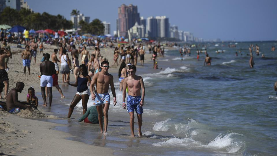Sprng Break Crowds At Fort Lauderdale Beach