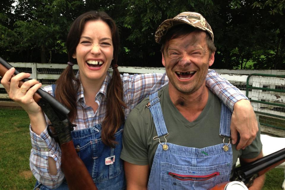A photo of Liv Tyler and Steve Zahn in Kentucky