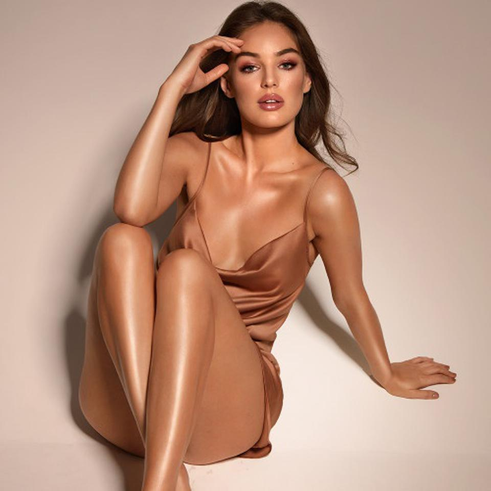 Model body by Charlotte Tilbury
