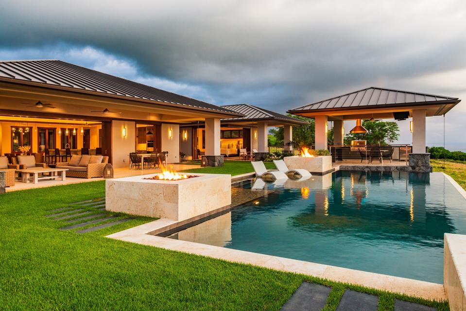 Hokuli'a development luxury home swimming pool hawaii