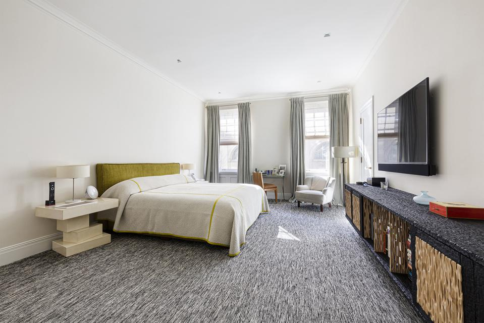 bedroom in 2a at 1000 park avenue manhattan new york city