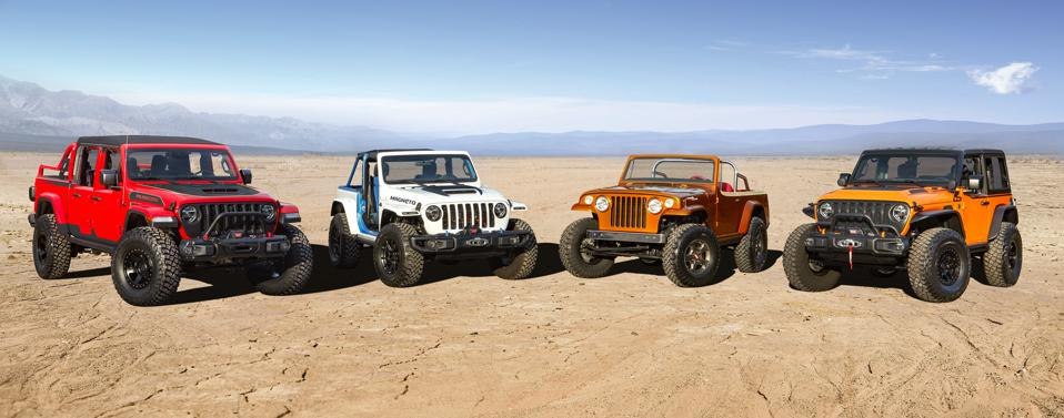2021 Jeep Easter Safari concepts including Gladiator Red Bare, Wrangler Magneto, Jeepster Beach and Wrangler Orange Peelz (L to R)