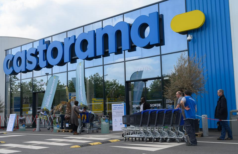 DIY Store Castorama Starts To Reopen Its Stores In France