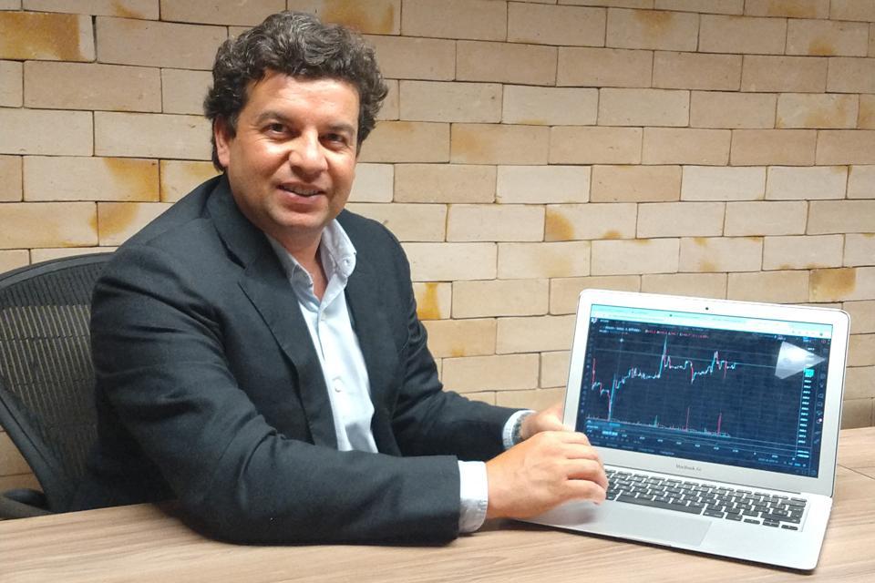 QR Capital CEO Fernando Carvalho