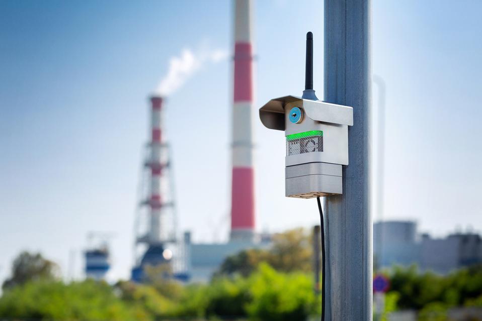 An Airly air pollution sensor
