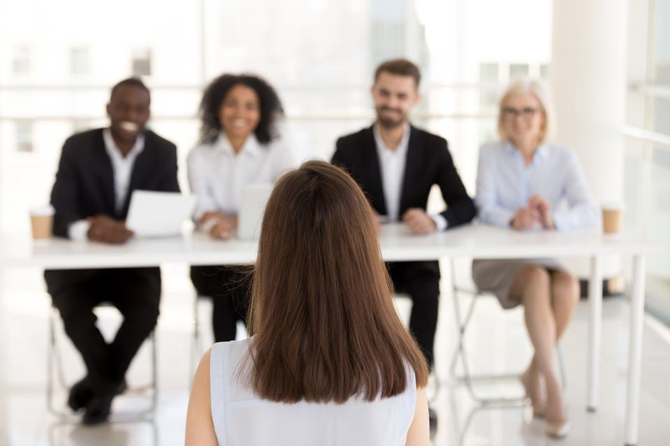 Job candidate make good first impression in job interview