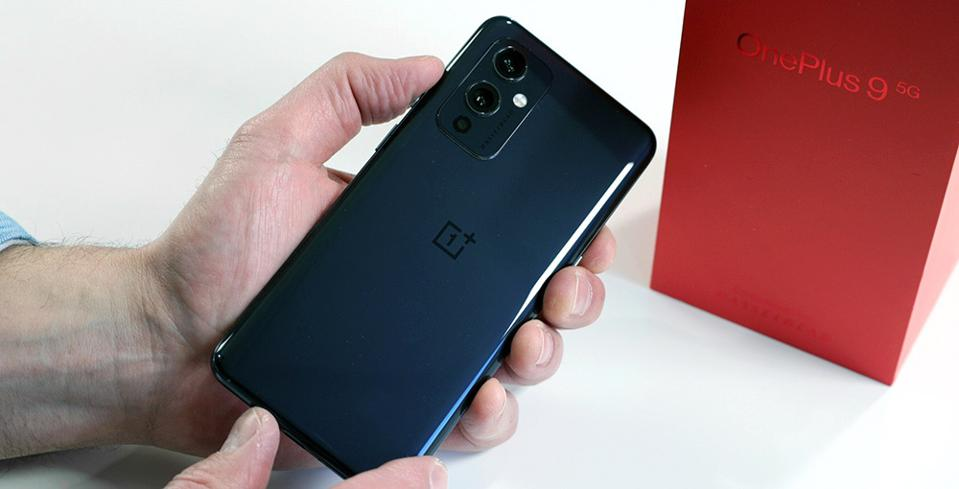 OnePlus 9 In Astral Black