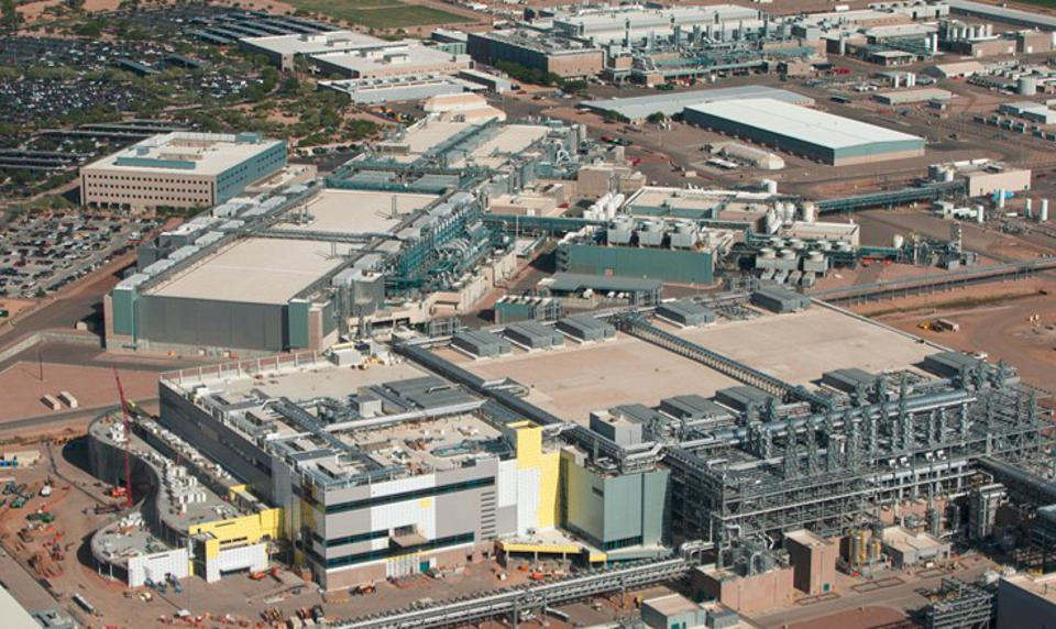 Image of Intel's Ocotillo facility while fab 42 was under construction