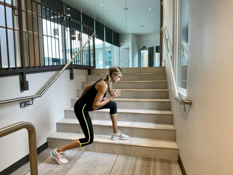 Quick paced knee drive on stairs