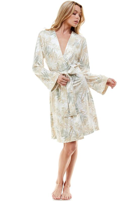Stay sexy, comfortable and effortless while lounging around at home in this easy to wear classic short robe.