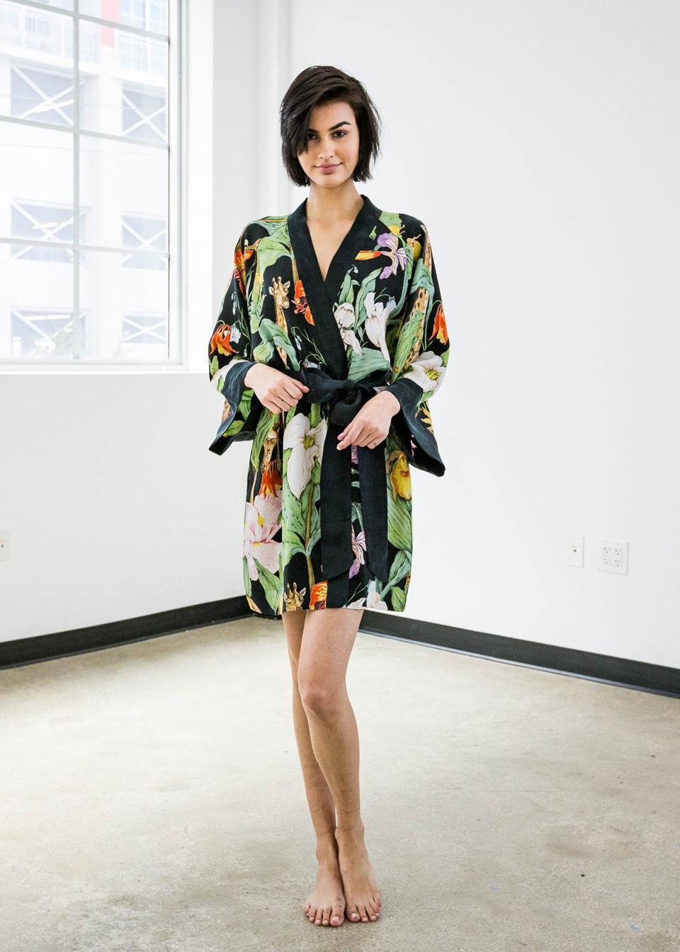 niLuu Monroe Mini Kimono Robe