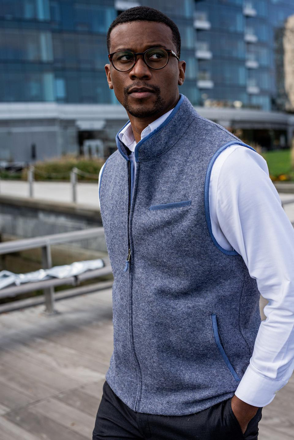 The Rittervest is thoughtfully constructed with superfine Alpaca and Merino sheep wool, natural fibers that exhibit superior thermoregulating properties. Soft like cashmere and stain, water, and wrinkle resistant.