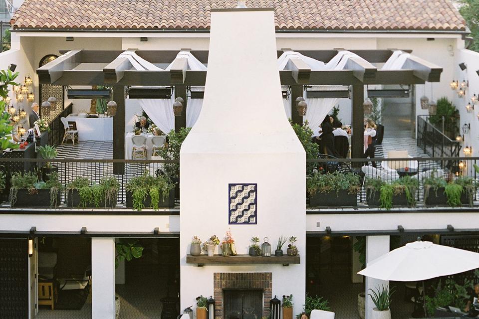 Faites le nœud dans cette propriété historique, presque centenaire, remplie de charme colonial espagnol.