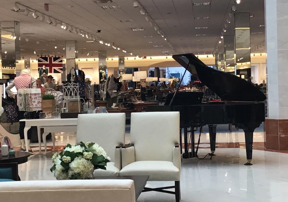 Von Maur piano