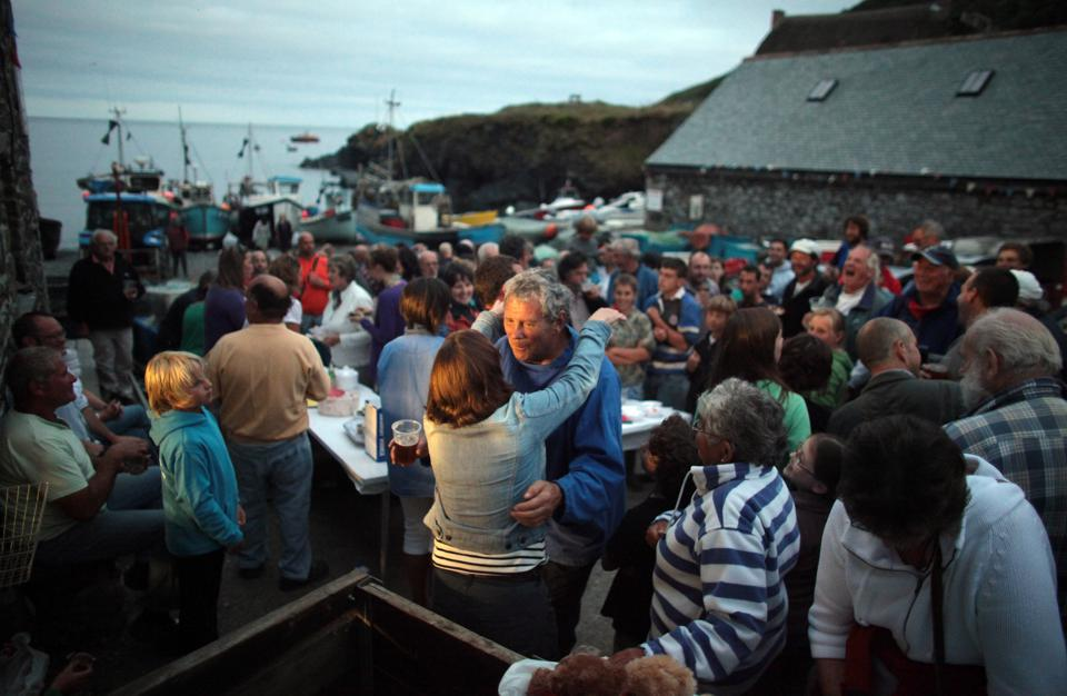 Traditional Cornish Fishing Village Hosts Angling Competition