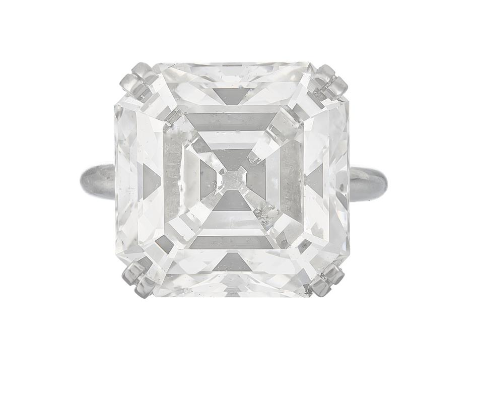 """The 19.47-carat """"Buhl-Mann"""" diamond ring with an estimate of $200,000 - $300,000"""