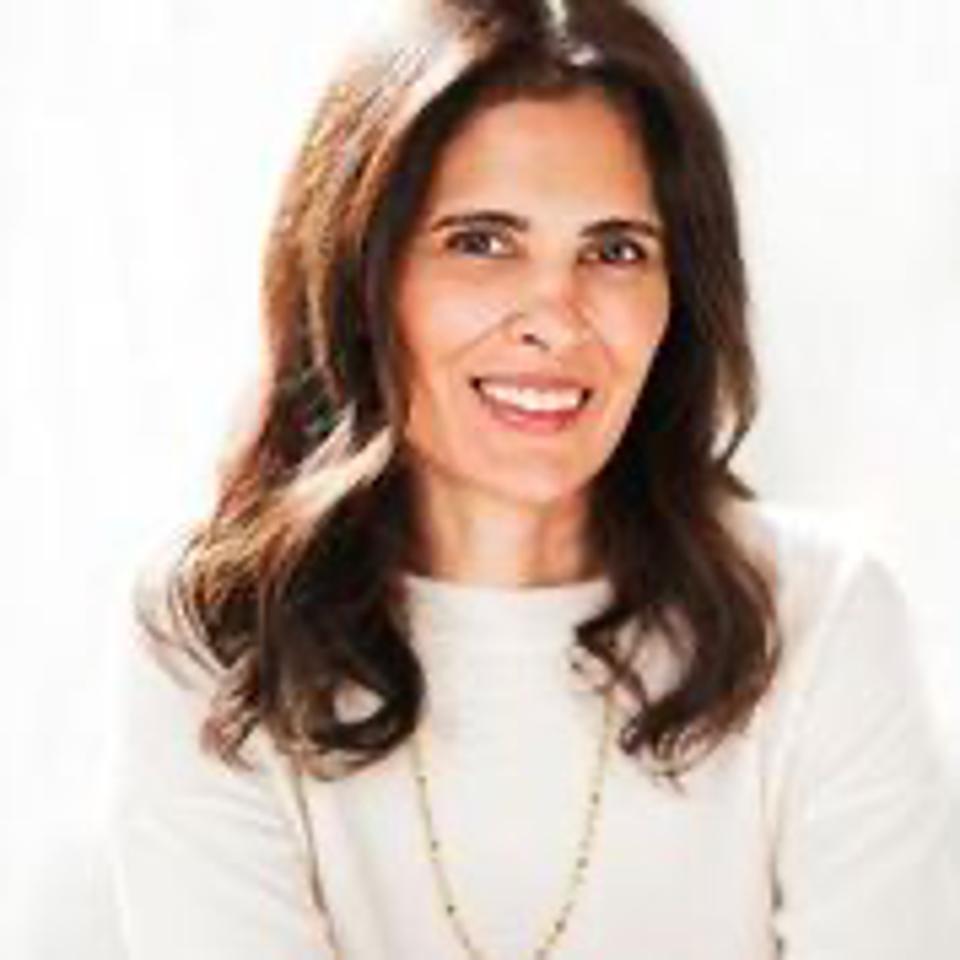 headshot of woman CEO Tina Bhojwani
