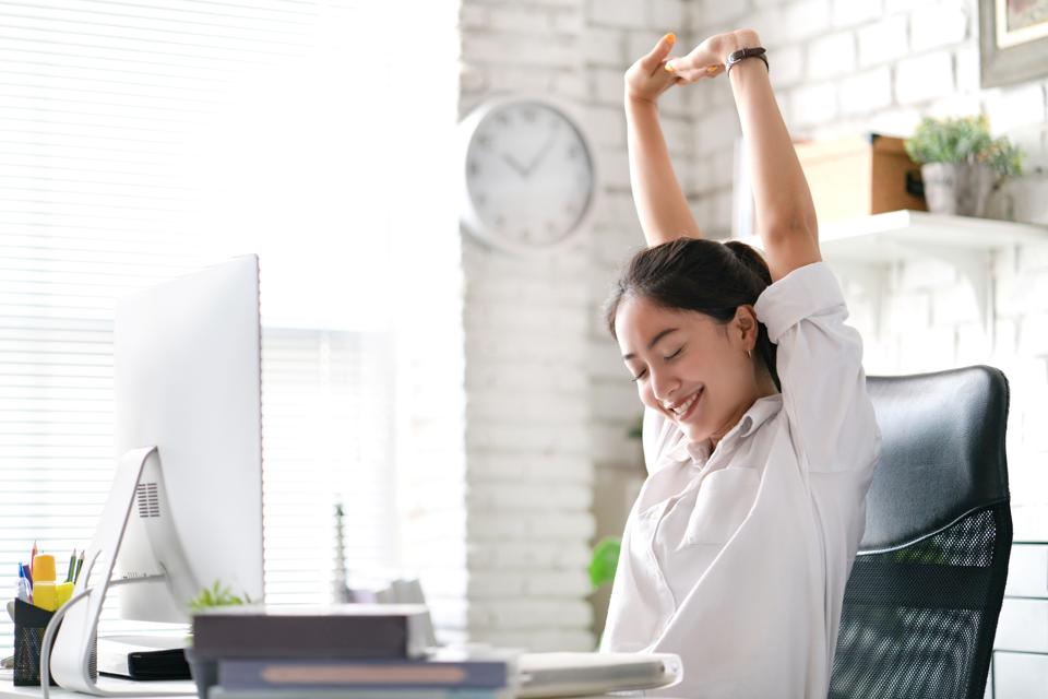 Microbreaks at work help you chill, fuel your productive mind and engage you for the remainder of the day.