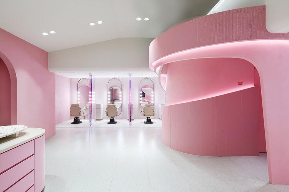 Villa de Mûrir, Seoul - a beauty flagship including a full content creation studios for its fans legion of consumer-creators.