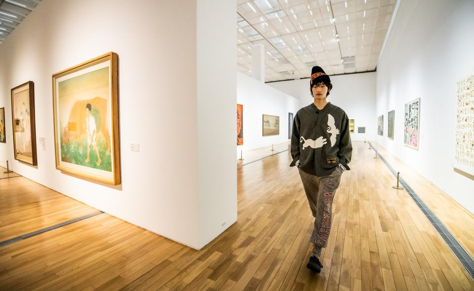 model at art museum