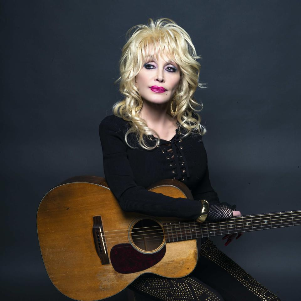 Dolly Parton collaborated with Facebook throughout 2020 for several projects.