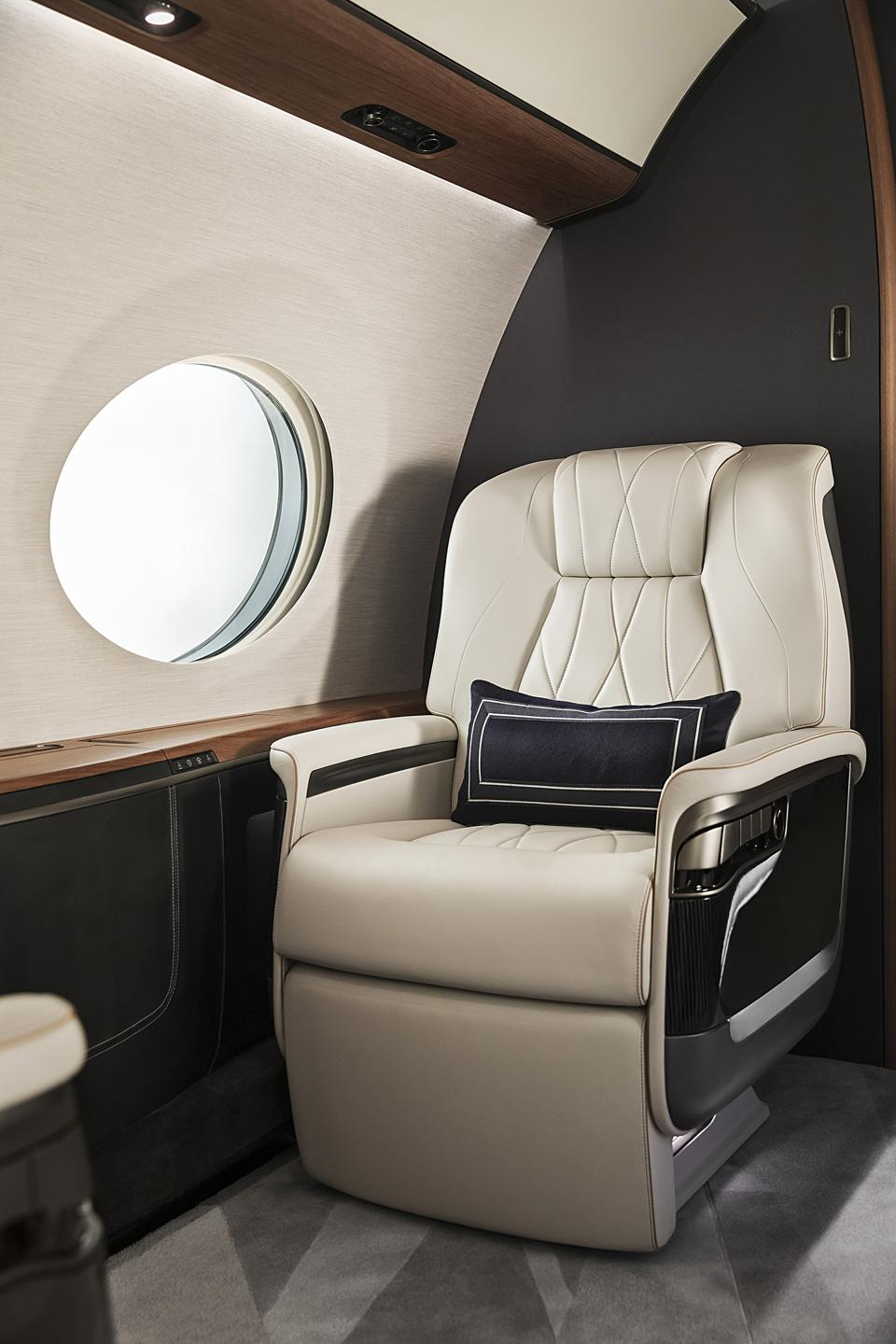 Luxurious new seating on-board the G700