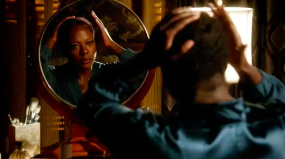 Viola Davis removes her wig and makeup in an unforgettable ″HTGAWM″ scene. ABC