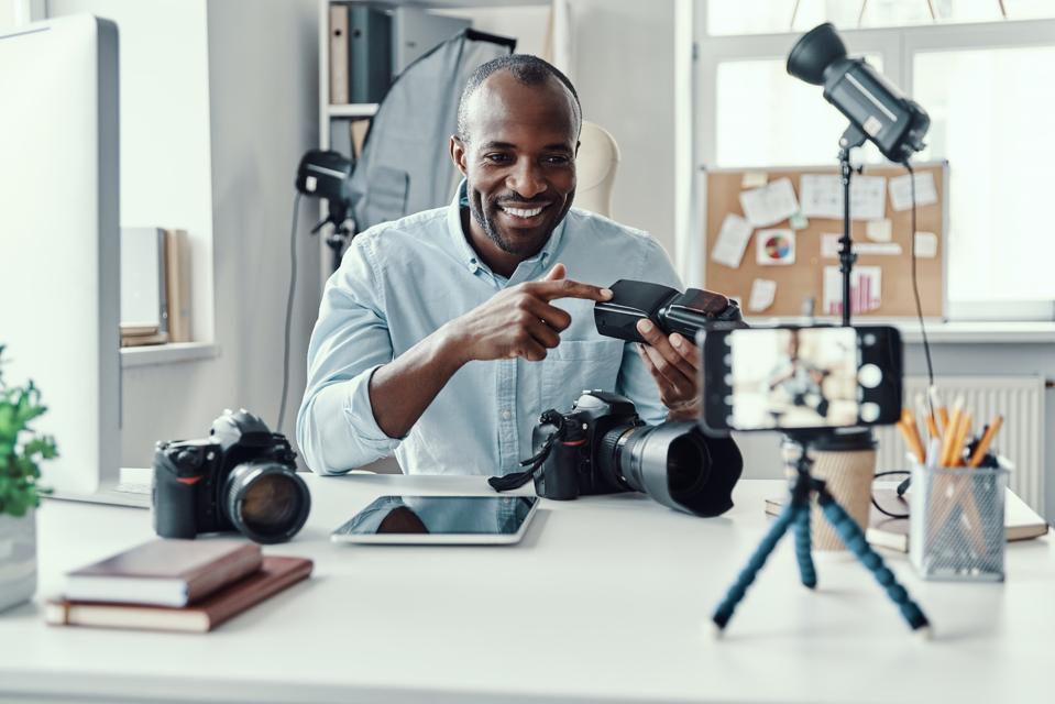 Side hustle making money online.