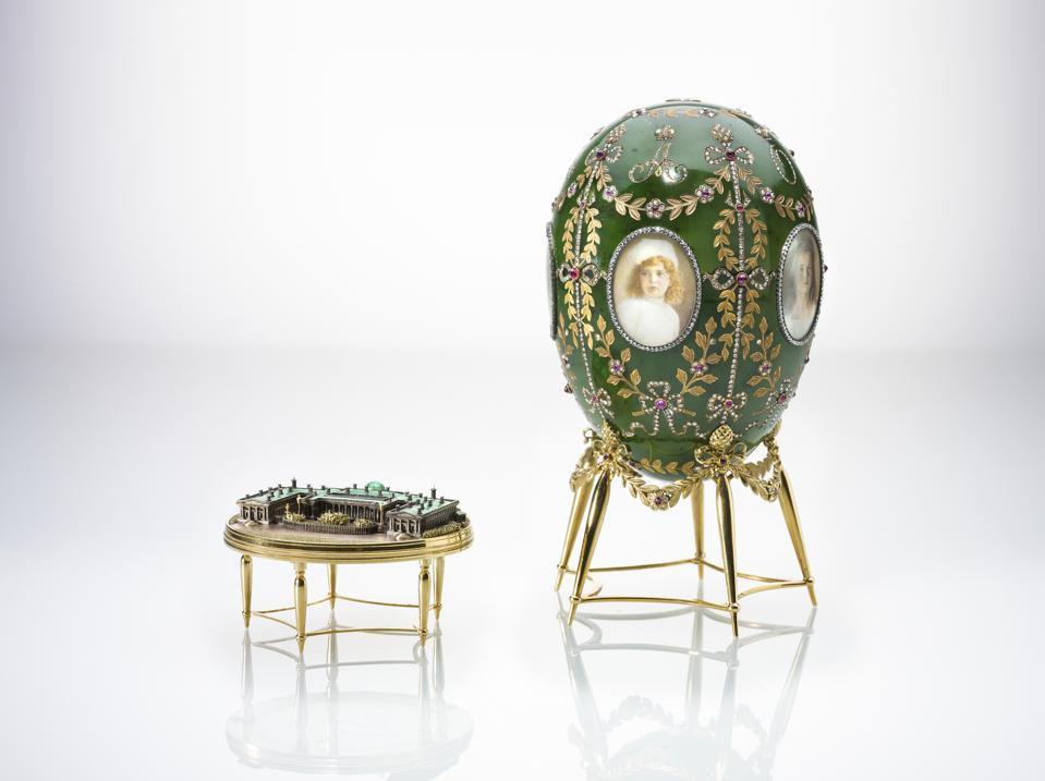 The Alexander Palace Egg, Fabergé. Chief Workmaster Henrik Wigstrom, 1908 © The Moscow Kremlin Museums