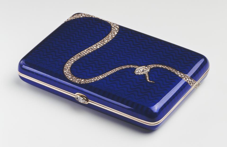 Cigarette case, Fabergé, two colour gold, guilloché enamel, diamonds, 1908. Royal Collection Trust  © Her Majesty Queen Elizabeth II 2021