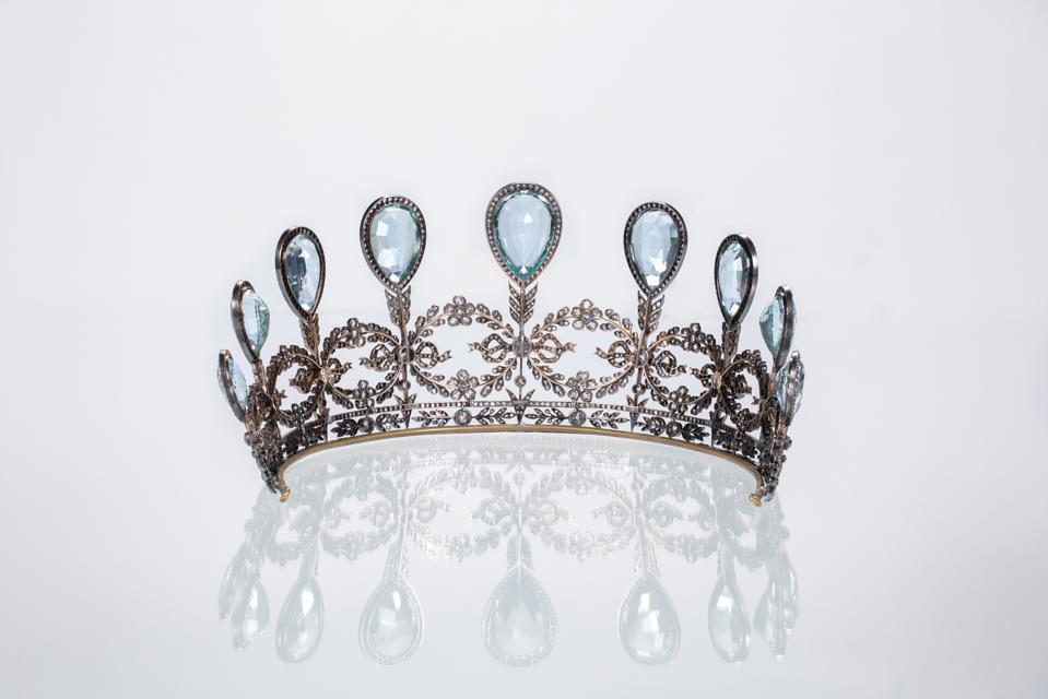 Aquamarine and diamond tiara by Fabergé, aquamarine, diamond, silver, gold. Workmaster Albert Holmstrom, St. Peterburg, circa 1904. Photography courtesy of HMNS. Photographer Mike Rathke
