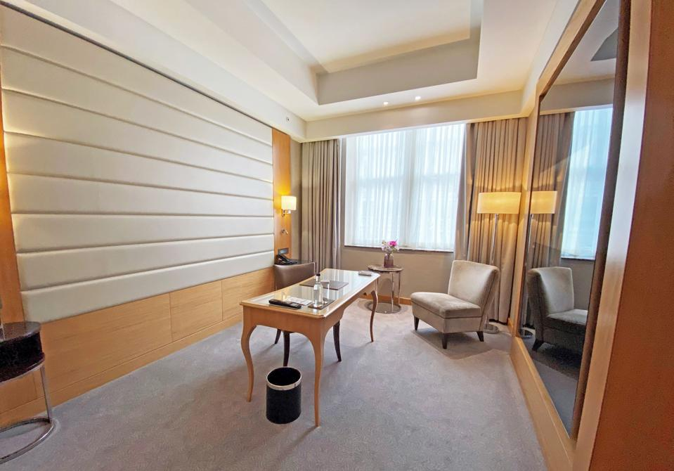 One of the dedicated hotel rooms with offices at Conrad St James London