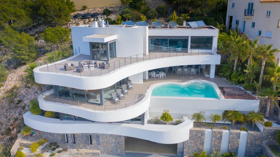 luxury villa by carlos gilardi in altea spain