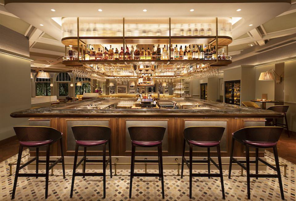 The bar at Henry's Palm Beach