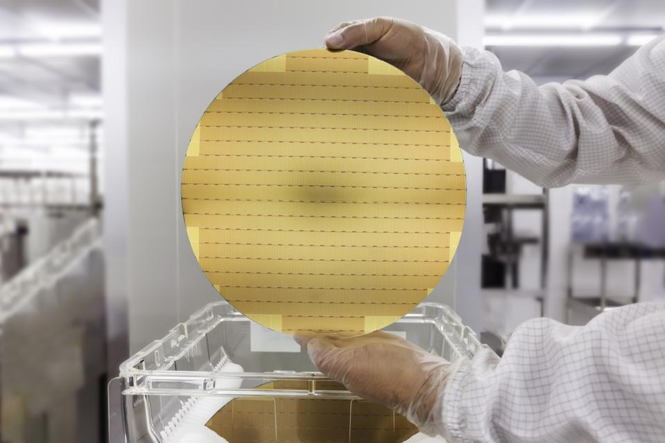 300 mm wafer of semiconductor chips
