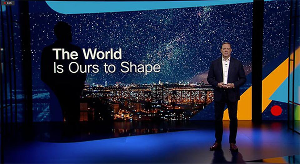 Cisco CEO Chuck Robbins on stage at Cisco Live! 2021.
