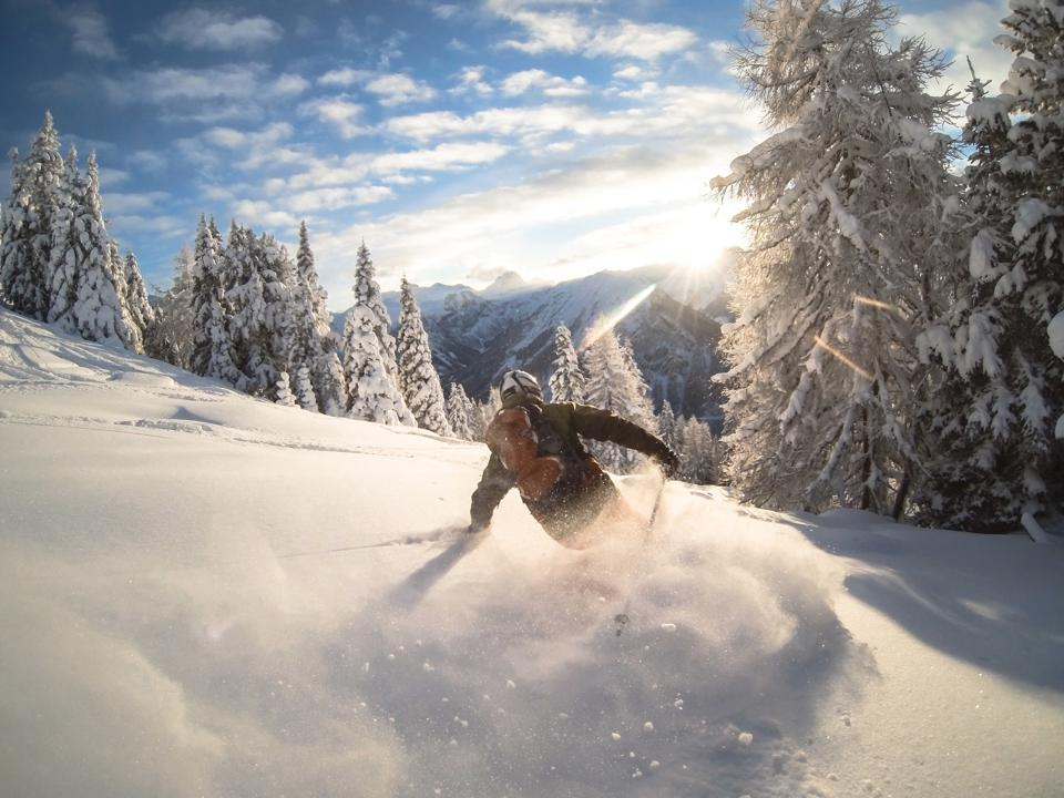 Man powder skiing, Alps, Zauchensee, Austria
